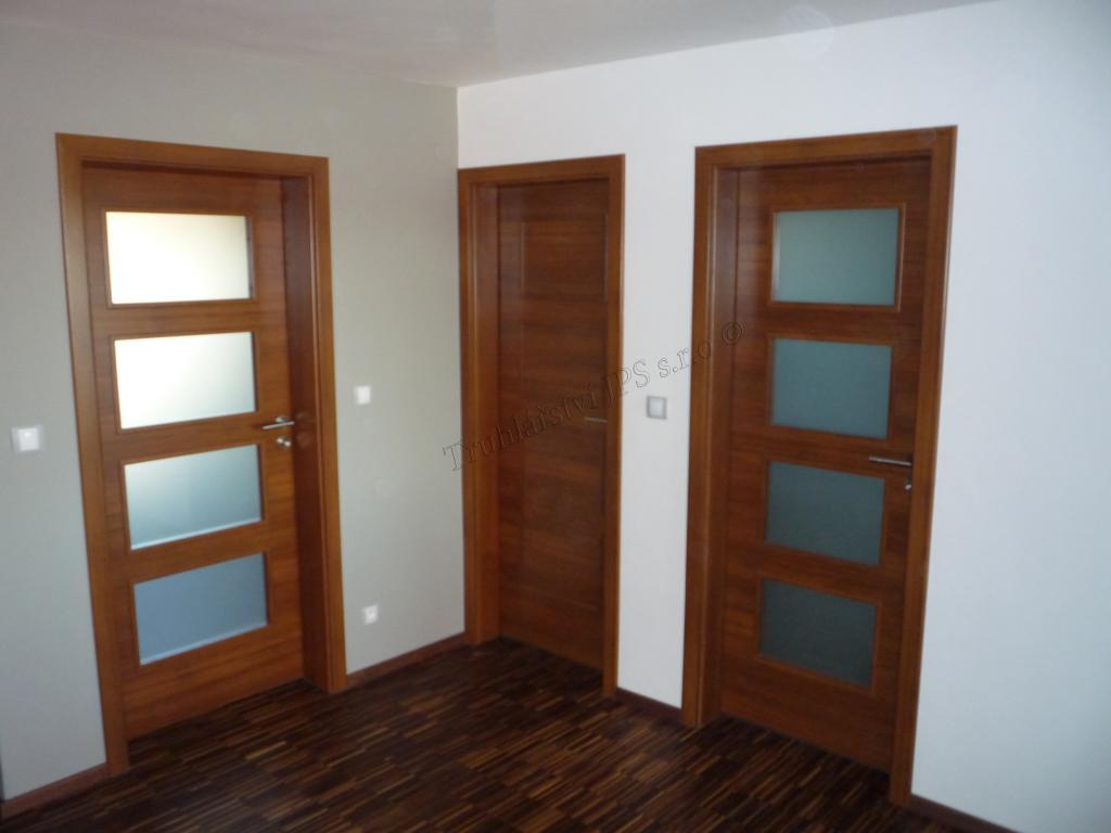 Sapeli dveře
